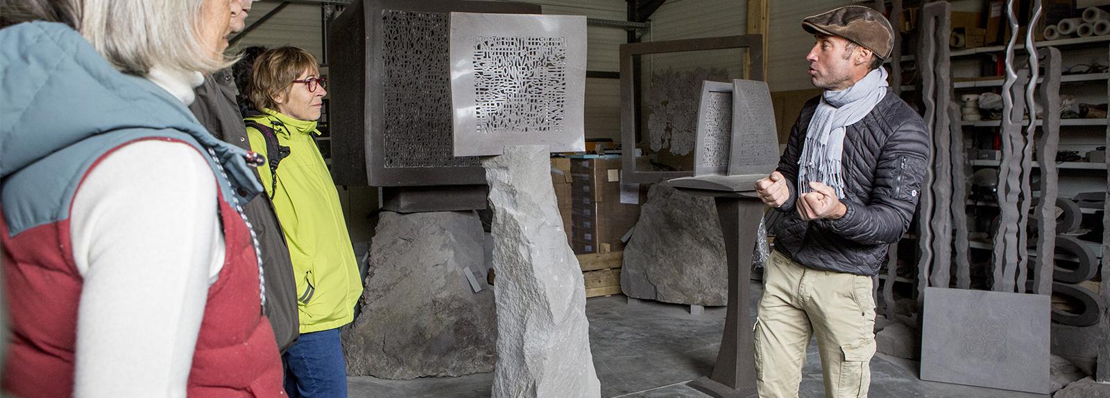 Visite de la carrière et de l'atelier de pierre de Volvic